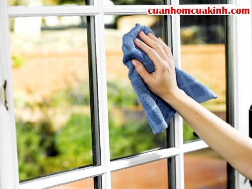 5 mẹo đơn giản làm sạch cửa kính, 32, Hoàng Việt, Cửa Nhom Cửa Kính, 19/10/2015 12:07:52