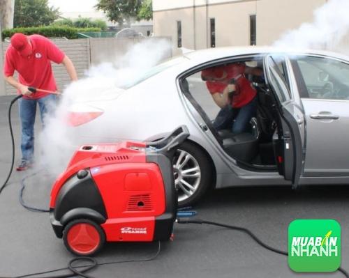 Có nên rửa máy xe ôtô ?